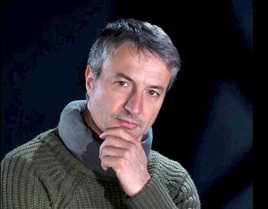 """Alessandro Maurizi legge il suo racconto: """"Storia di Aylan"""" alla libreria Etruria di Viterbo"""