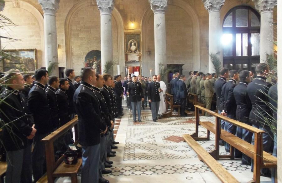 Precetto Pasquale Militare Interforze a Viterbo, per l'occasione il vescovo Fumagalli ha officiato la messa