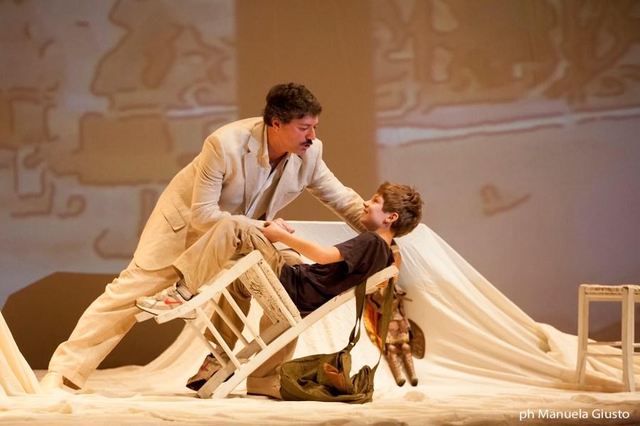 """""""Per questo mi chiamo Giovanni"""", al Mancinelli la piece su Falcone chiude la rassegna per le scuole"""