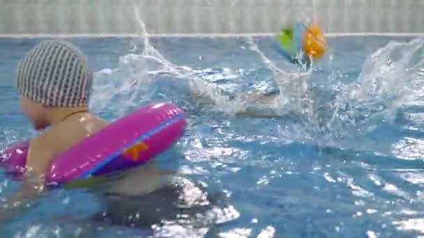 """San Venanzo, dal 16 luglio bambini in piscina con il centro estivo """"Tana libera tutti"""""""
