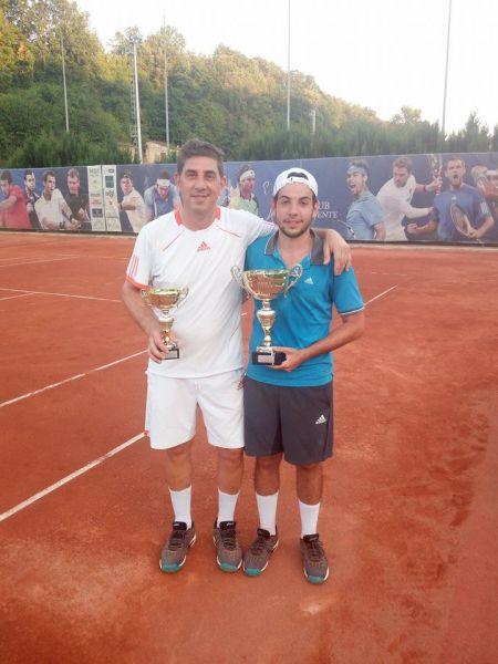 """Il giovane Adriano Aureli supera il padre Giuseppe nella finalissima del Torneo di Tennis """"ShootOut Amburgo All Star Maschile"""""""