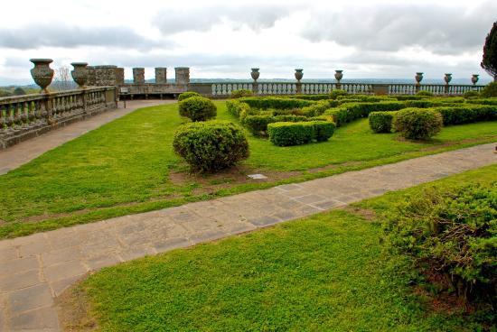 Giardino storico a Torre Alfina, il Comune di Acquapendente ne approva il restauro