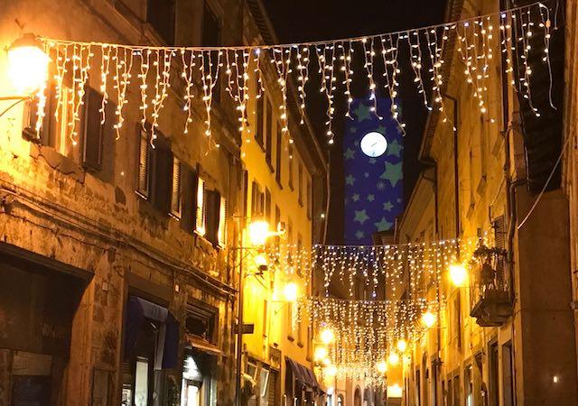 """""""A Natale ScelgOrvieto"""", dal 6 dicembre al 6 gennaio la Rupe si veste di luci e lustrini"""
