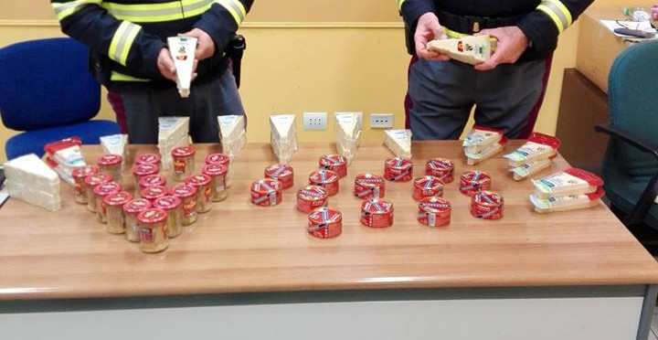 Ladri per fame ai tempi della crisi: rubati parmigiano e tonno in scatola