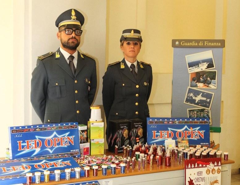 """""""Operazione Natale sicuro bis"""", la Gdf sequestra oltre 3mila prodotti non conformi a standard sicurezza"""