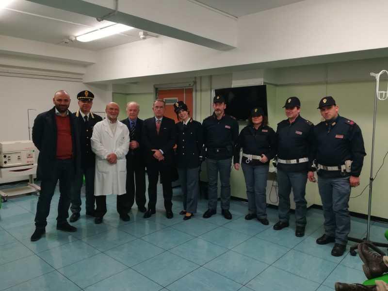 Il questore e 10 operatori della Polizia al Santa Maria per donare sangue