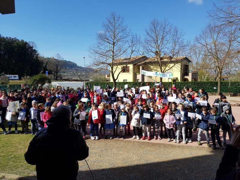 Insieme per salvare la terra, hanno partecipato anche gli alunni della Primaria di Ciconia