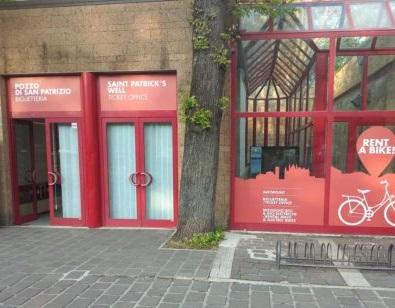 Pronta la nuova biglietteria del Pozzo di San Patrizio a Piazza Cahen. Tra i servizi anche il noleggio di biciclette