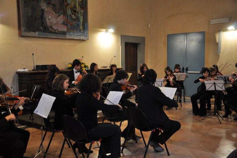 Saggi di fine anno per la scuola comunale Adriano Casasole
