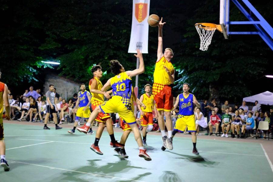 """Va in archivio anche la X edizione del Torneo dei Quartieri """"Corrado Spatola"""". I giallo-blu portano a casa la vittoria"""