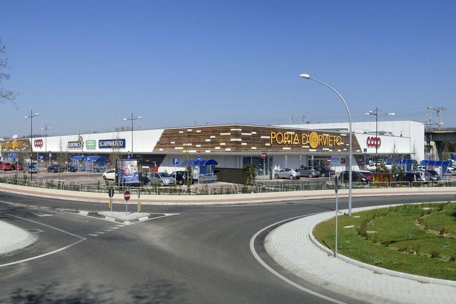 """Il sindaco precisa le indiscrezioni: """"Nessun nuovo centro commerciale, né allargamento di Porta di Orvieto"""""""