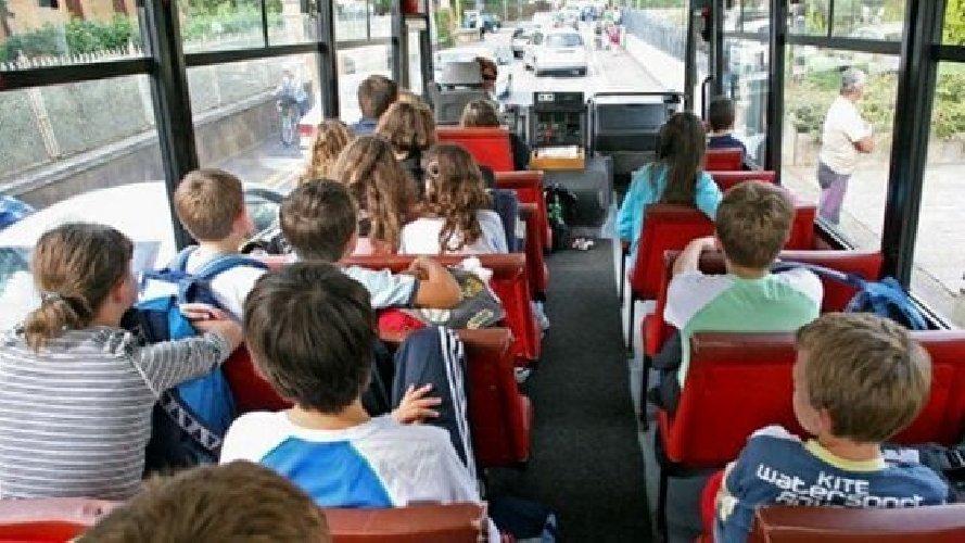 """Covid-19, Ministero dell'Istruzione: """"Sospesi i viaggi d'istruzione a partire da domenica 23 febbraio"""""""