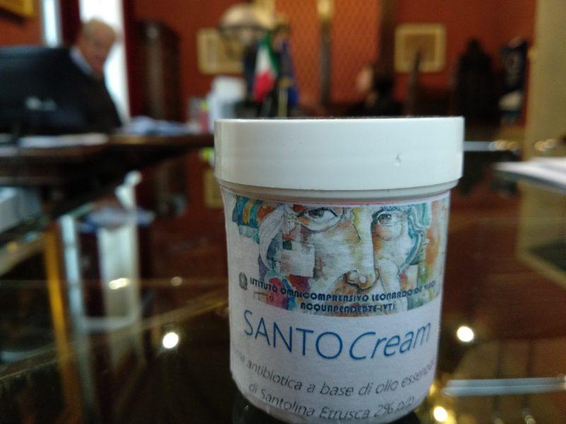 """Nasce ad Acquapendente la prima crema antibiotica a base di olio essenziale, si chiama """"Santo Cream"""""""