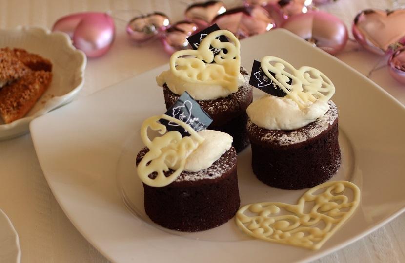 フランス菓子定番のガトーショコラ クラシック。