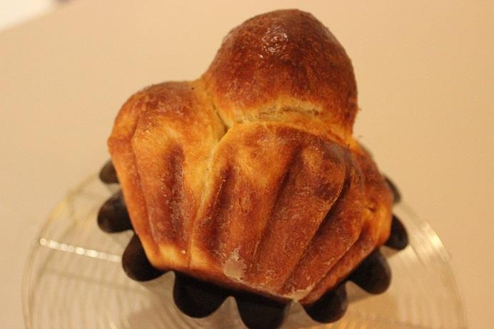 一番有名なブリオッシュの形、ブリオッシュ ア テット。