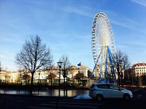 リヨン観光にメインがベルクール広場。のどか。