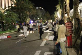 nice-terrorist-attacks-12