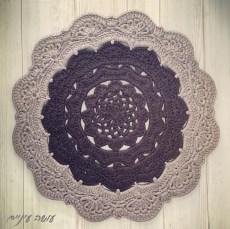 Snorka crochet doily rug pattern - by Osa Einaim || דוגמת סנורקה - שטיח דויילי מחוטי טריקו - עושה עיניים