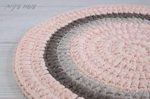 עושה עיניים - הוראות סריגה לשטיח טריקו עגול בעמודים || OsaEinaim - Crochet round rug pattern with t-shirt yarn