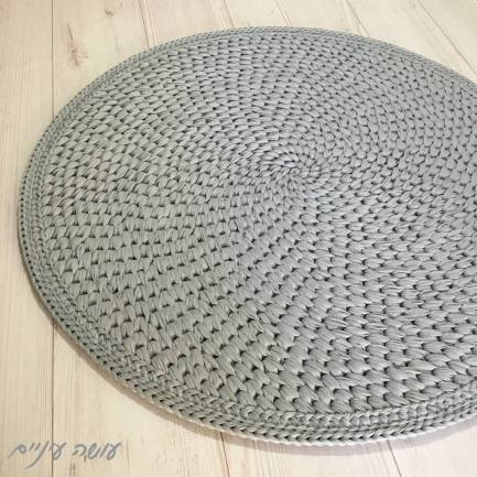 עושה עיניים - שטיח סרוג מחוטי טריקו    Osa Einaim - crochet t-shirt yarn trapillo rug