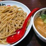 難波 ラーメン 三豊麺
