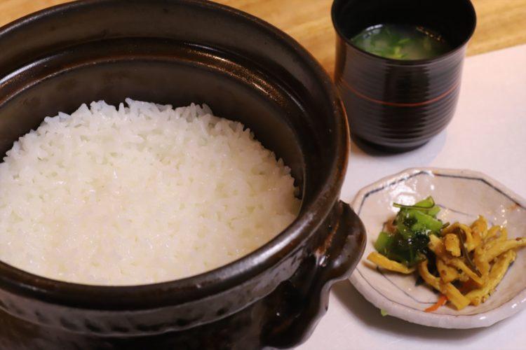 土鍋ご飯の写真
