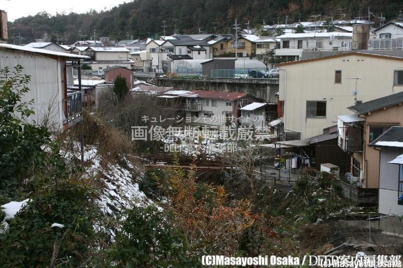 京都市北区衣笠開キ町にある砂防ダムの中に作られた謎の不法占拠集落に迫る