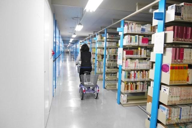 府立中央図書館 (63)