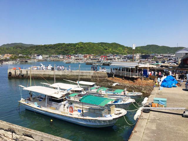 加太港,友ヶ島汽船乗り場の近く,