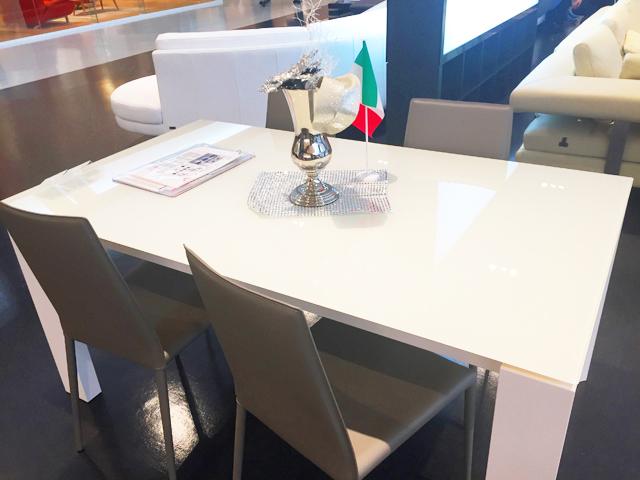 東京インテリア,輸入家具,ダイニングテーブル