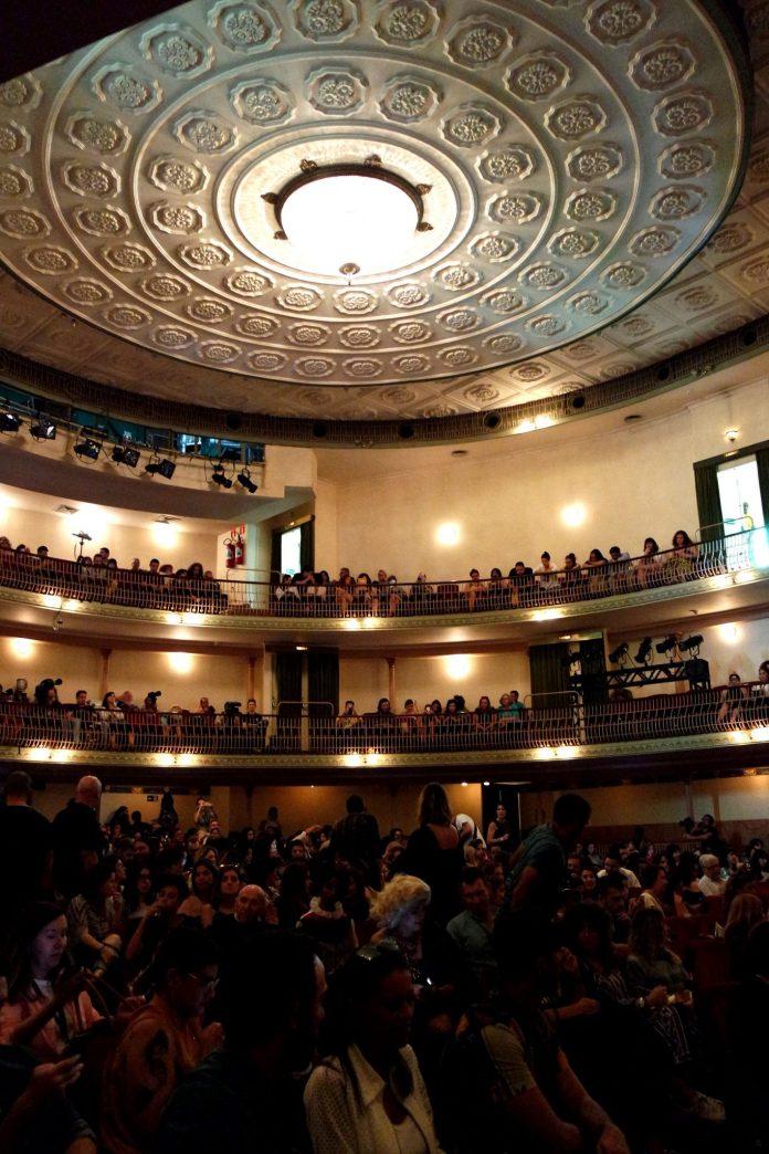 Teatro Sao Pedro - desfile Ronaldo Fraga - SPFW N42 - site Osasco Fashion
