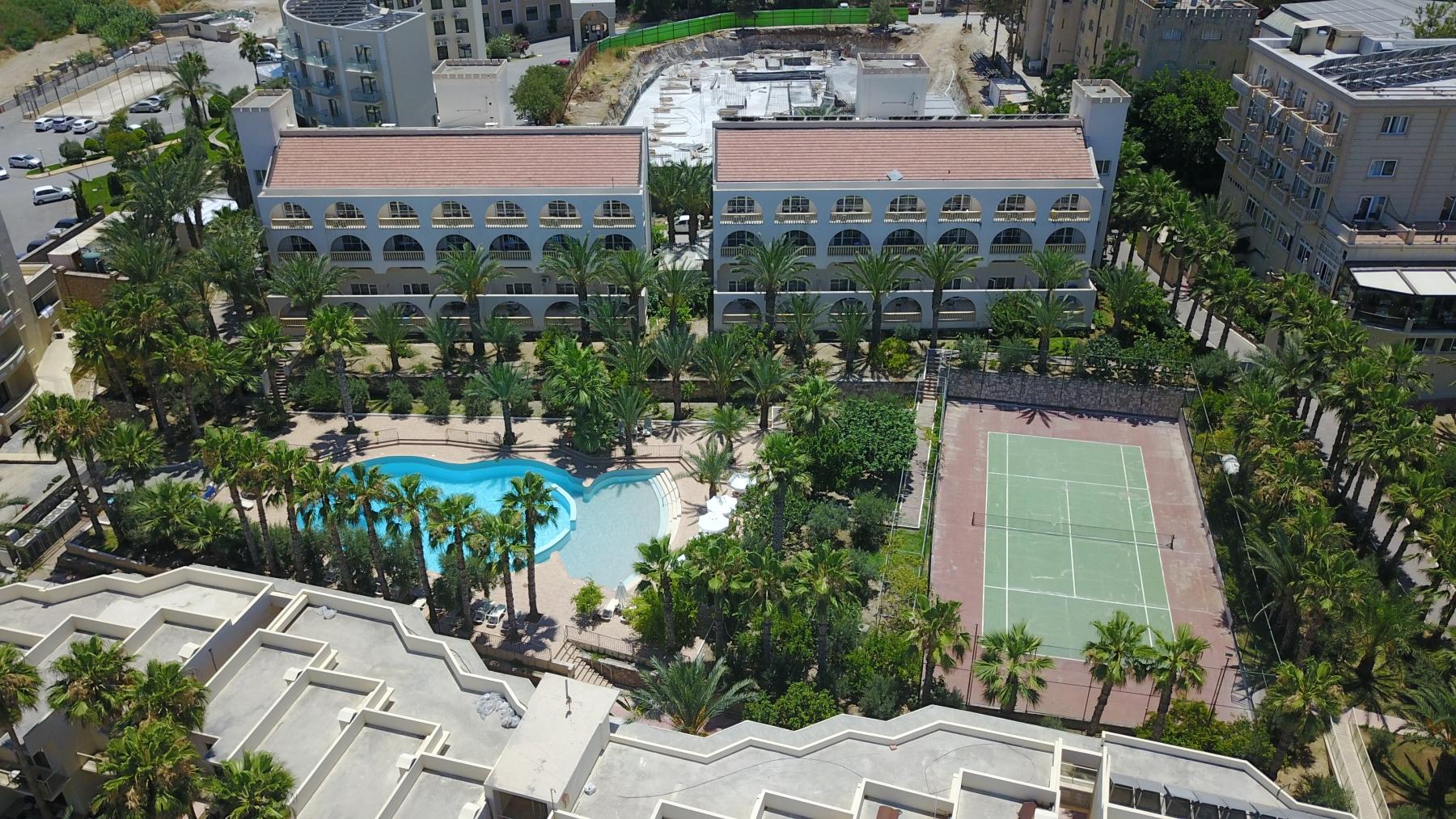 oscar_resort wave pool