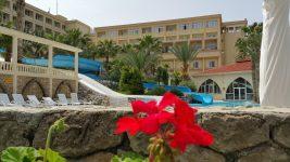 oscar resort aqua pool