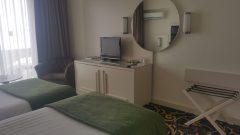 oscar-resort-rooms-triple bed
