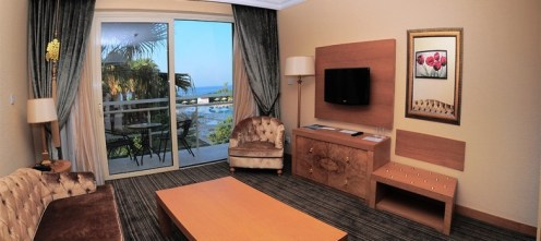 panoramic junior suite rooms by pool