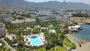 view-pools-garden
