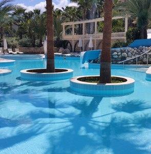 oscar resort hotel