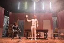 Les Bâtards Dorés - 100 millions qui tombent, filage au Théâtre de la Cité (TNT), Toulouse. Création lumière Lucien Valle. Ferdinand Niquet-Rioux & Romain Grard.