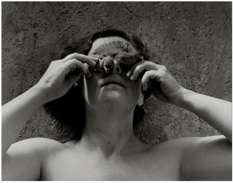 Graciela Iturbide. Autorretrato (México, 1989)