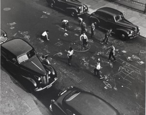 Arthur Leipzig, Chalk Games, Prospect Place, Brooklyn, 1950, printed later, gelatin silver print. The Jewish Museum,