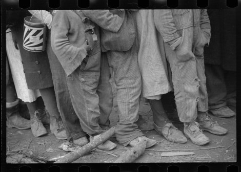 Negroes in the lineup for food at mealtime in the camp for flood refugees, Forrest City, Arkansas walker evans 2