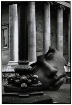 GREAT BRITAIN. 1995. London. British Museum.Elliott Erwitt