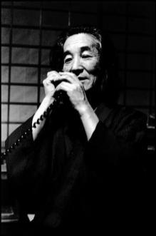 JAPAN. Oiso. Hiroshi HAMAYA. 1977.Elliott Erwitt