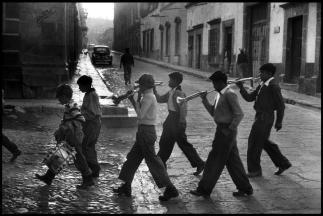 MEXICO. San Miguel de Allende. 1957.Elliott Erwitt