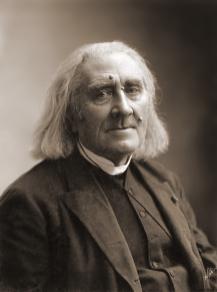 Nadar - Gaspard Felix Tournachon -Franz_Liszt_by_Nadar,_March_1886
