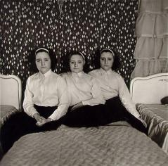 Triplets in their bedroom, N.J. 1963 Diane Arbus
