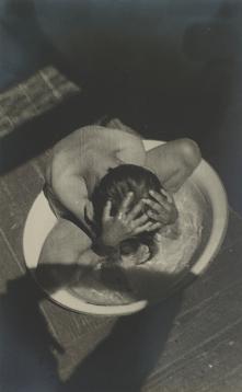 alexander-rodchenko-morning-wash-1932