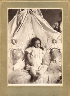 creepy_dead_child_angels