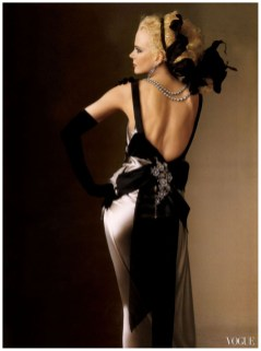 irving_penn_oscarenfotos_16nicole-kidman-vogue-by-irving-penn-may-2004