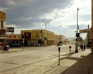Stephen Shore. 2nd Street East and South Main Street, Kalispell, Montana (August 22, 1974